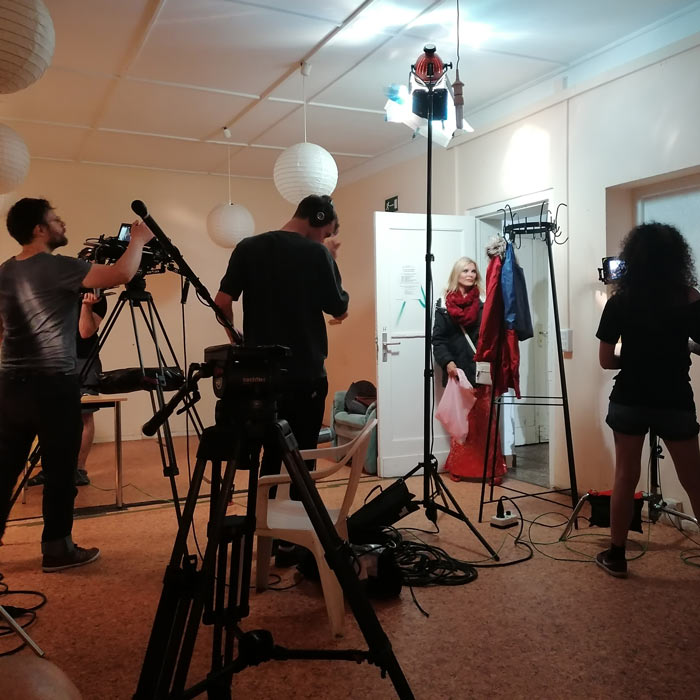 Videoproduktion am Set von 7 Liars Glamour